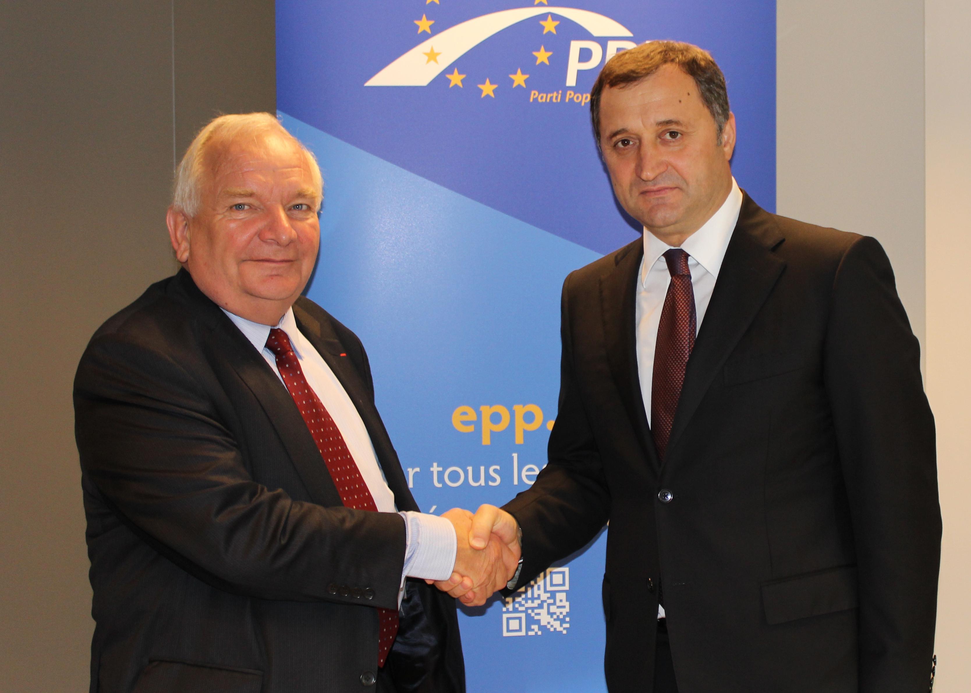 Vlad-Filat-si-Joseph-Daul