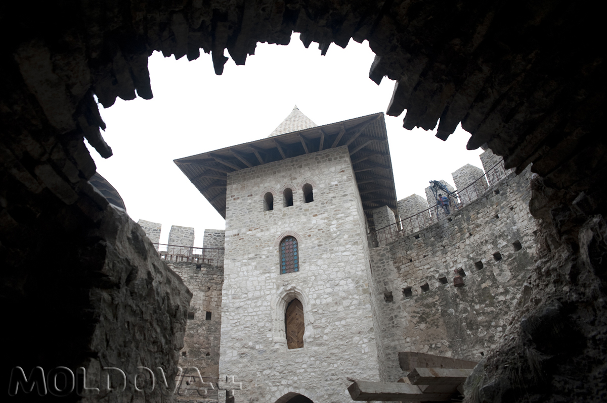 Cetatea-Soroca-17