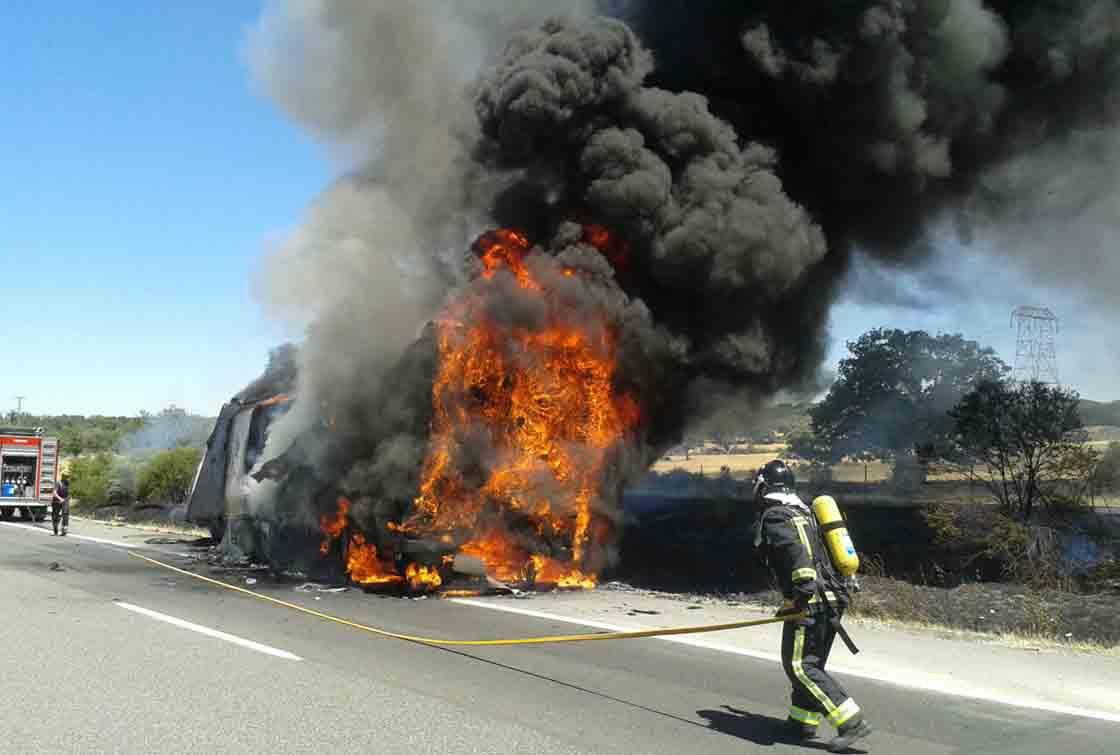 arde-camion-bejar-autovia-a-66-2