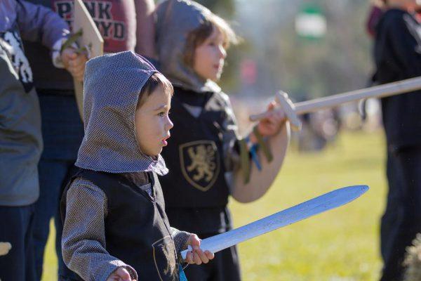 mici cavaleri sabii copii festival medieval 2018 vatra md